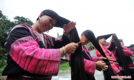 Huangluo el pueblo con las mujeres con el cabello mas largo 2